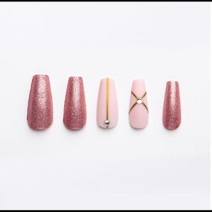 Tip Beauty Faux Nails in Legally Blonde (Glue inc)
